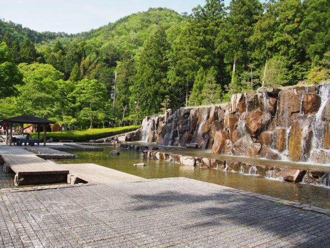 水分れ公園・人工滝