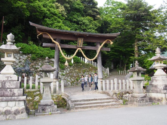 八幡神社・鳥居